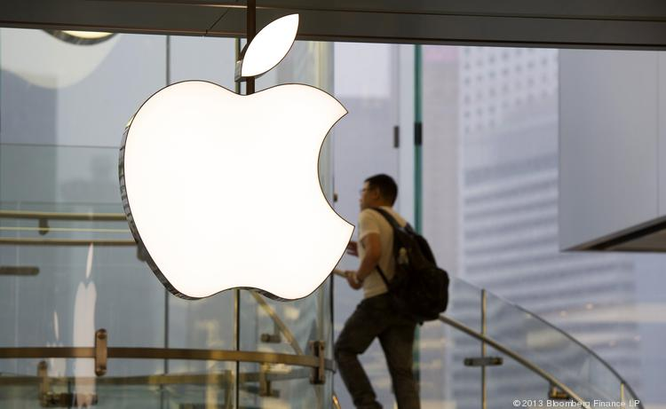 Apple could be forced to pay hundreds of millions in damages resulting from an e-book price-fixing case.