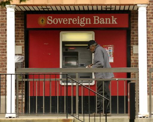 Sovereign Bank's profit and gross income both fell in the first half of 2013.