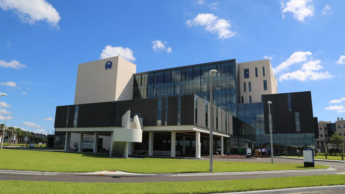 Moffitt cancer center plans massive expansion tampa bay for Moffitt builders