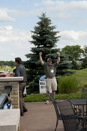 Jason Moskalik from Crowne Plaza Milwaukee West is the first contestant in the ball toss competition.