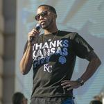 Off the Beat: Royals wear thanks on their sleeves