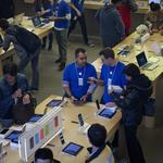 Apple beats class action suit over employee bag searches