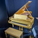7 things to know today, plus Hard Rock's winning bid for Elvis' gold leaf piano