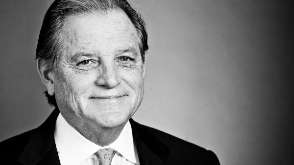 Wayne Smith, CEO of Community Health Systems, is stepping down as chairman of the board for the Nashville Area Chamber of Commerce.