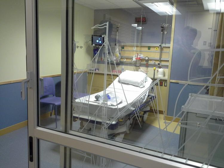 The pavilion contains nine pediatric pre-op/post-op rooms with a nautical theme.