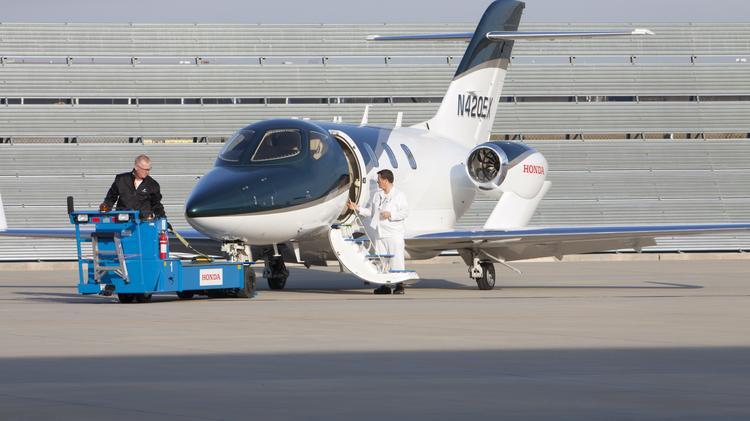 Cincinnati NetJets Subsidiary Downsizing Facility Laying