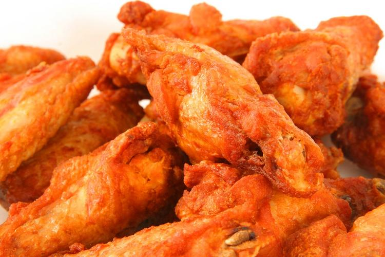 A new wings restaurant is opening in downtown Dayton.