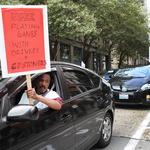 Seattle becomes first city to allow Uber, Lyft drivers to unionize