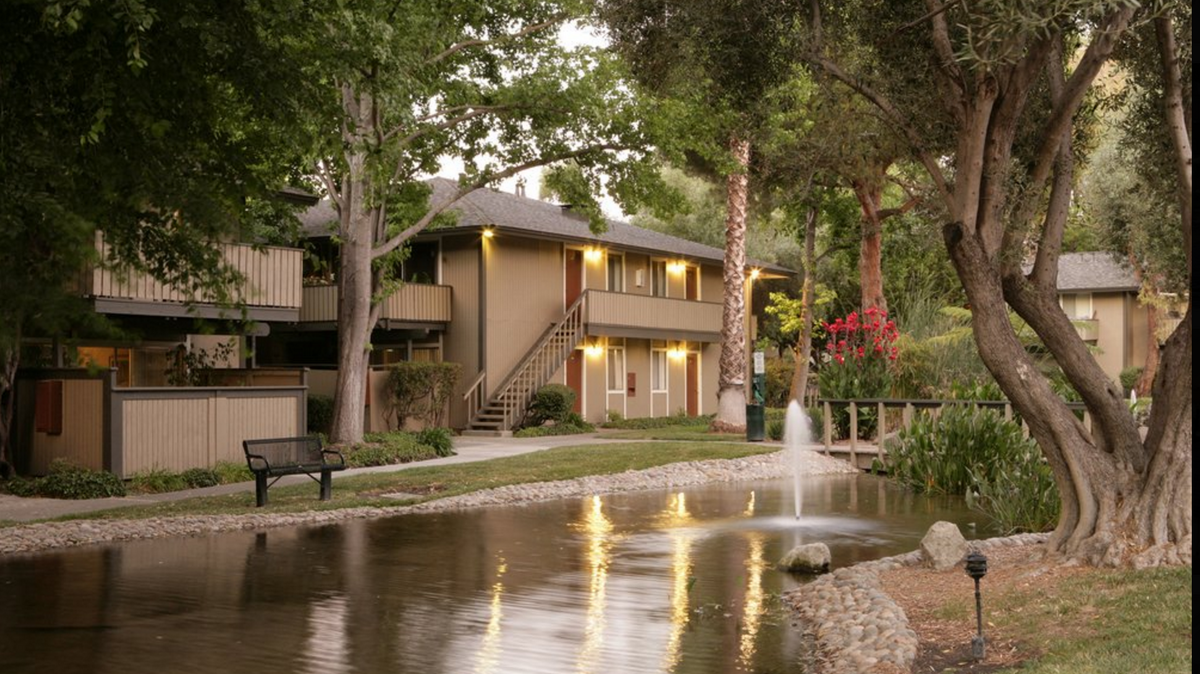 FortBay Buys Village Lake Apartments In Mountain View From Braddock U0026 Logan    Silicon Valley Business Journal