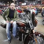 Potential buyer of Milwaukee Harley-Davidson sues owner <strong>Chaz</strong> <strong>Hastings</strong>