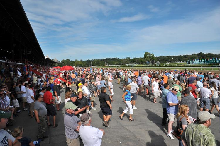 Attendance and betting at the Saratoga racing meet remain behind last year's pace