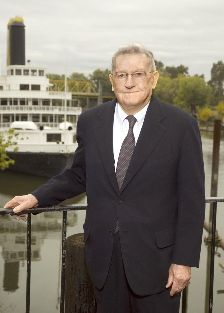 Prominent water lawyer Stanley Kronick -- one of the founders of Sacramento's No. 2 law firm -- died at his Sacramento home Sunday. He was 93.