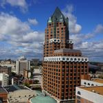 Associated Bank to buy downtown Milwaukee Center office high-rise