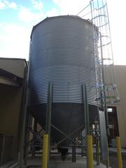 Grain silo outside Rivertowne Brewing Co.