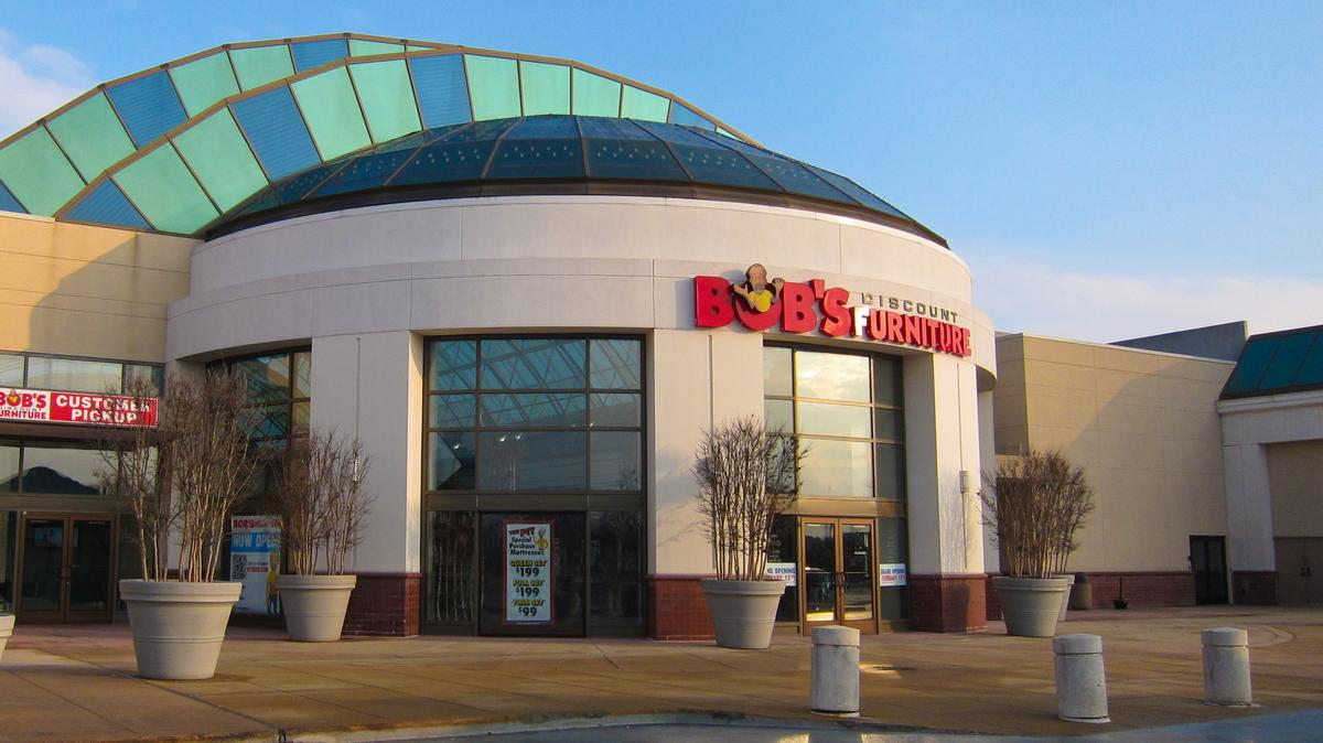 Bob S Discount Furniture Invades Chicago Market With Multiple Stores