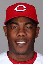 Reds sign 'Cuban Missile' Chapman to new contract