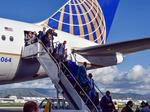 9News: Broncos arrive in California for Super Bowl 50 (Video, photos)