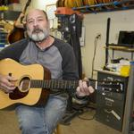 Guitar-making great reflects on business lessons learned