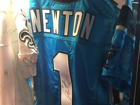 size 40 17ef2 24a80 Thieves work Super Bowl 50, snag Cam Newton jersey, game ...