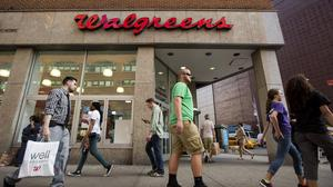 Kroger's potential deal for Walgreens, Rite Aid stores will make Publix, other retailers 'very nervous'