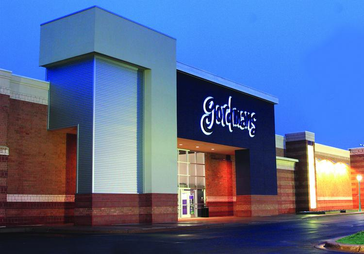 The addition of a new Gordmans store helped improve the picture for Albuquerque's retail real estate market last year.
