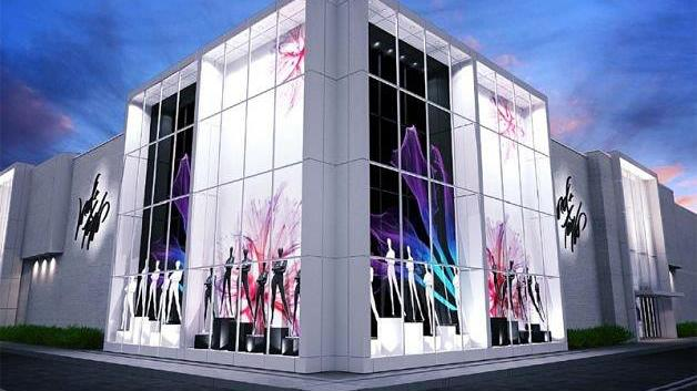 Lord & Taylor is renovating a former Macy's in Crossgates Mall into a 100,000-square-foot store opening in the fall.