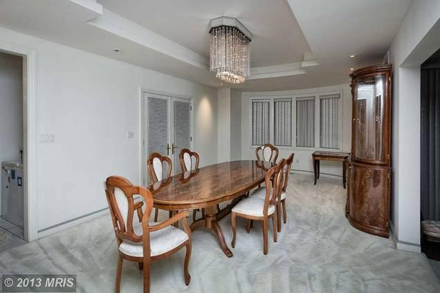 Some Baltimore Business Journal readers had harsh words for the interior of an Owings Mills house being sold by Ray Lewis.