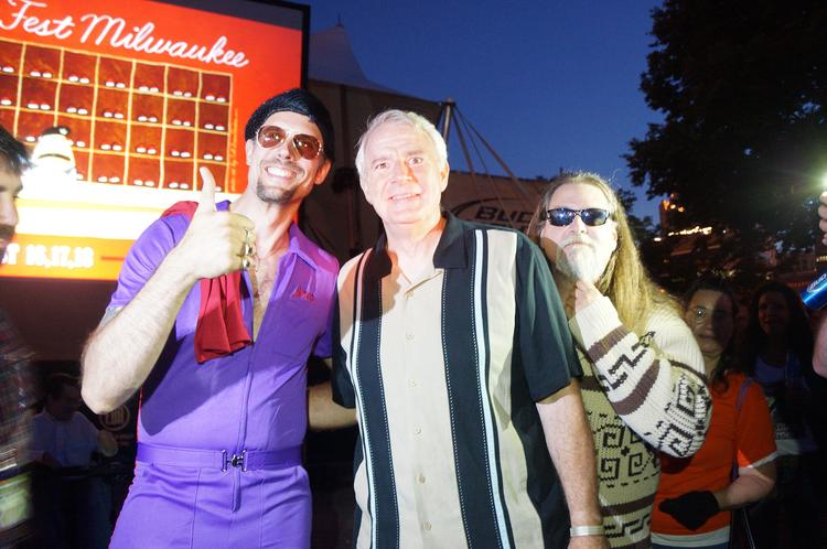 Milwaukee Mayor Tom Barrett poses with characters from the movie, Jesus Quintana and The Dude.
