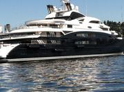 When the 440-ft.super yacht Serene got close to Seattle, the crew started lowering enormous black cylindrical bumpers, said to be 25 feet long and more than 5 feet in diameter.