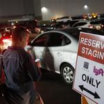 Austin launches hotline for Uber, Lyft drivers left in lurch