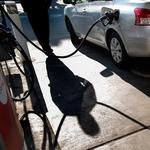 How will falling gas prices affect Sacramento businesses?