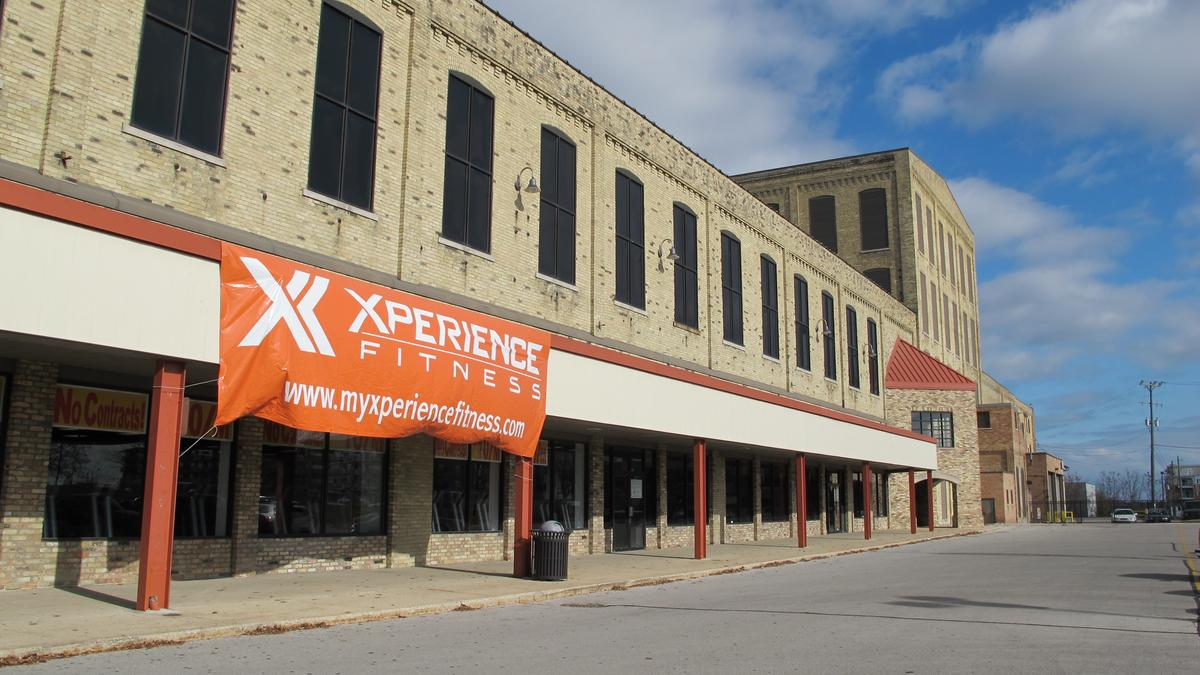 Xperience fitness gym would anchor greenfield shopping for Gimnasio xperience