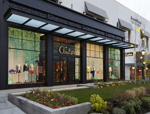 Canadian retailer Aritzia opened its second store in the Pacific Northwest in Seattle's University Village on Thursday.