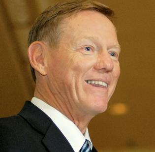Alan Mulally is reportedly considering taking on the top job at Microsoft, replacing Steve Ballmer as CEO.