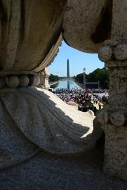 A view of the Washington monument looking from the Lincoln Memorial.