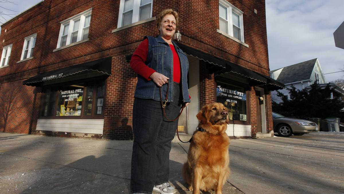 Pet store chain backed by Marquette alum Lemonis buys