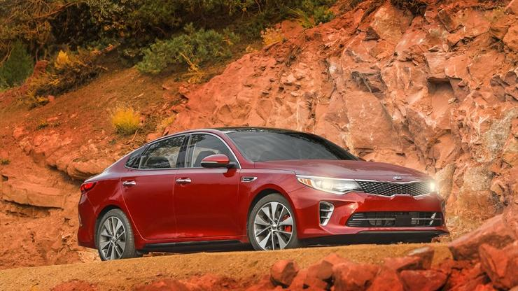 Motor Mondays Revamped Kia Optima Catches Up On Fuel Efficiency But Not Headroom Phoenix Business Journal