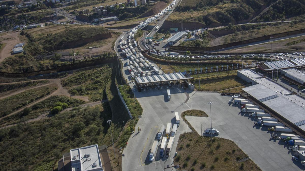 Budget Moving Trucks >> What Custom and Border Protection's deputy commissioner says about wait times at Arizona-Mexico ...