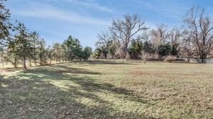 1.25 acres in a Country Setting on a Cul de Sac