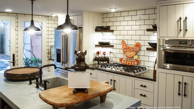 Butchertown new york transplants find country charm for Urban farmhouse kitchen