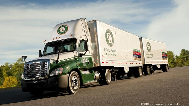 Old Dominion Freight Line said that its first quarter sales and net income grew in the first quarter despite challenges with poor weather and regulations that limit the time drivers can spend behind the wheel.