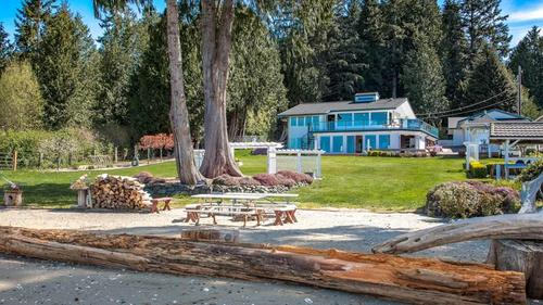 Fishing, Crabbing, Life on the Beach...this is Life at Twin Cedars on the Hood Canal, Poulsbo WA