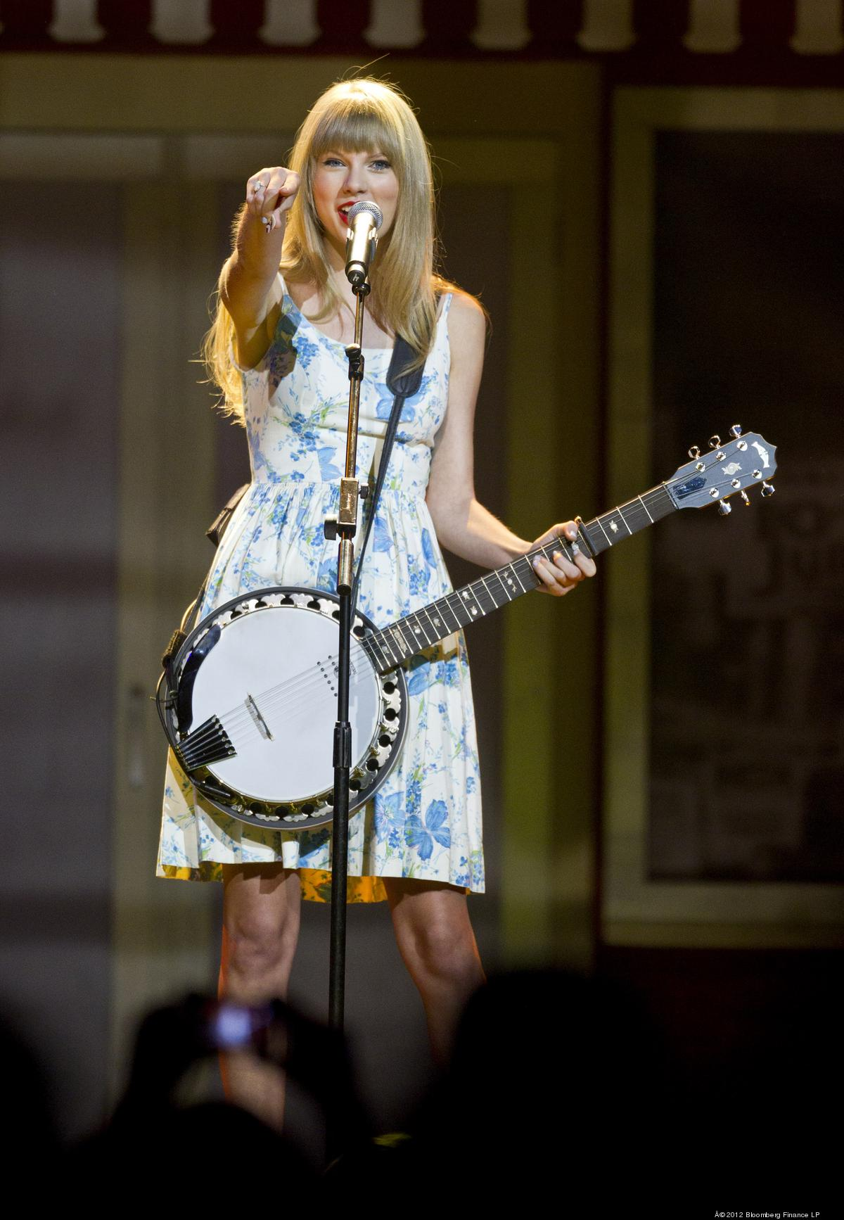 What Taylor Swift Gets For Playing Xcel Energy Center Besides Money Minneapolis St Paul Business Journal