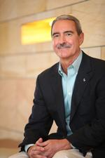 <strong>Bill</strong> <strong>Pepicello</strong> stepping down as University of Phoenix president