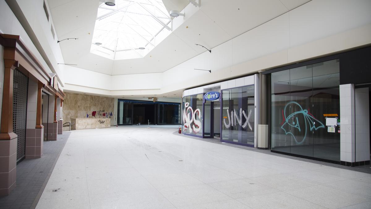 Take A Last Look At Crestwood Plaza (Photos)