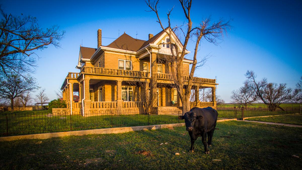 Historic johnson ranch in west texas hits the market for for Big ranch house