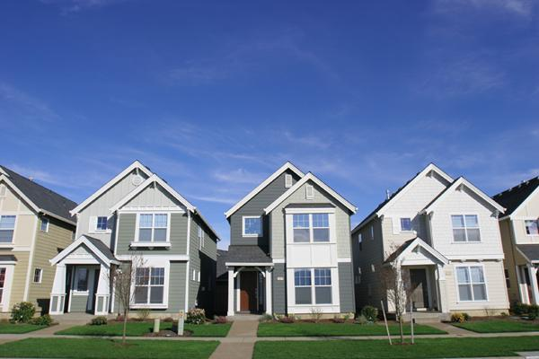 The housing market recovery could be threatened if the government shutdown lingers, some fear.