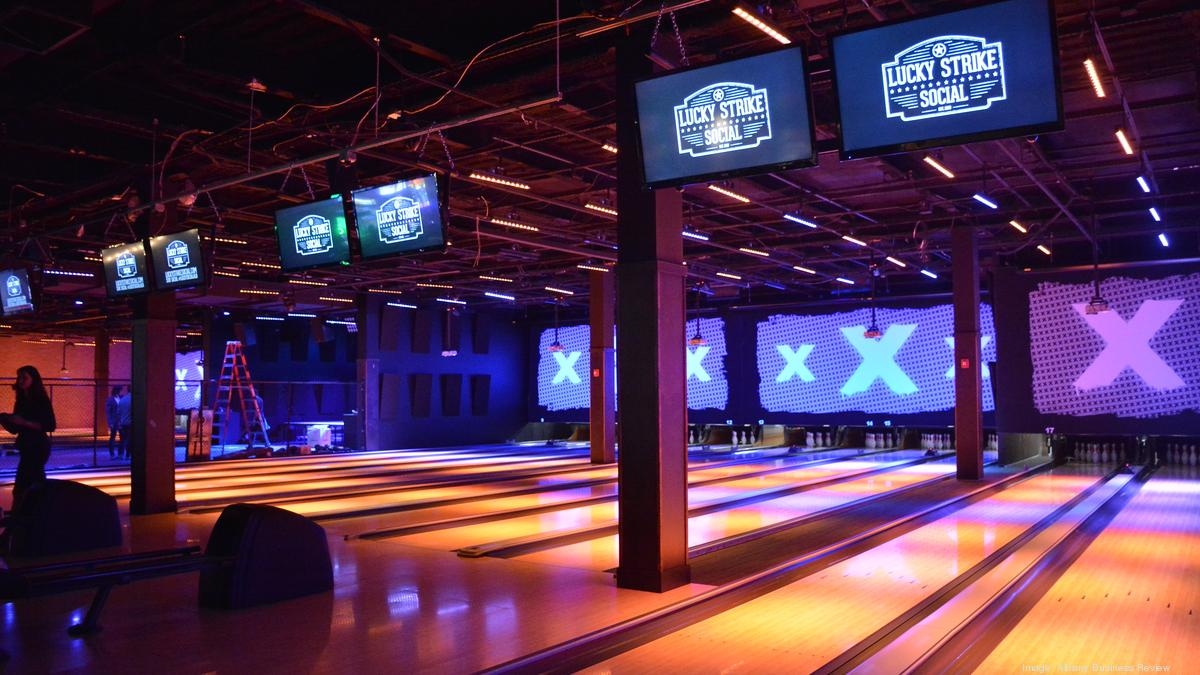 hollywood bowling company lucky strike entertainment center may expand to hawaii pacific. Black Bedroom Furniture Sets. Home Design Ideas