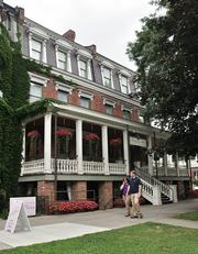 An addition was built in 2005 in the rear of Saratoga Arms, a boutique hotel in an historic building at 497 Broadway. The property is owned by Noel and Kathleen Smith.