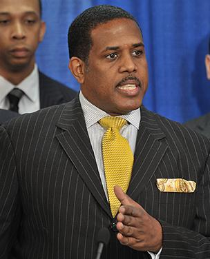 Sen. Kevin Parker, D-Brooklyn, announced he was introducing legislation that would raise the minimum wage to $11.15.